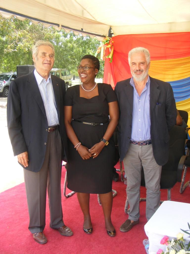 Rodrigo Rodriquez, Doctor Pauline Archard, Coordinatrice Sanitaria della Arcidiocesi di Dar es Salaam, Dott. Giuseppe Travaglini, vice presidente e rettore Scientifico e Sanitario dell'Associazione